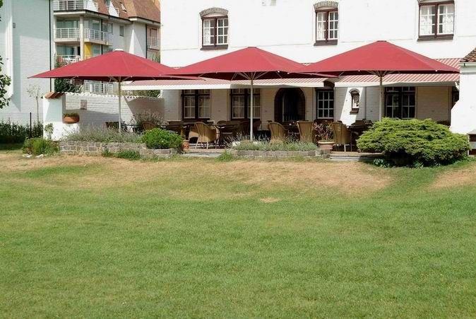parasol professionnel terrasse restaurant resistant vent