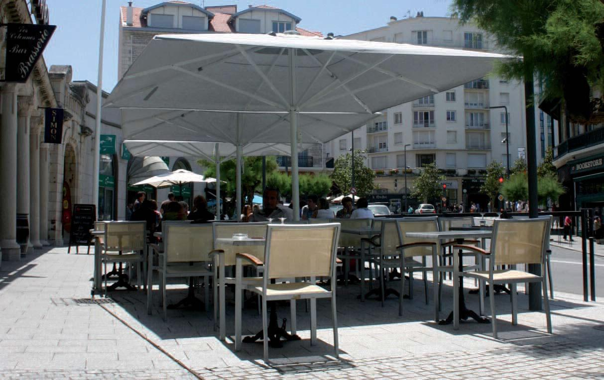parasol maxi soco grand parasol pour restaurant h tel. Black Bedroom Furniture Sets. Home Design Ideas