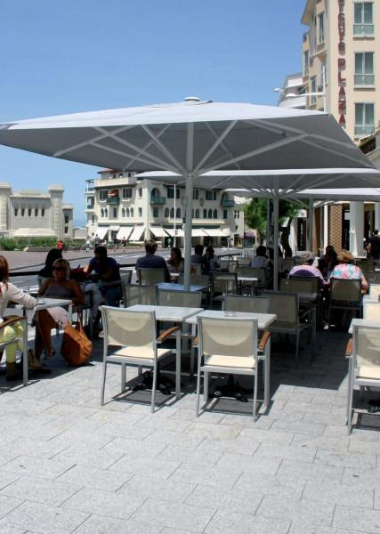 maxisoco-grand-parasol-restaurant