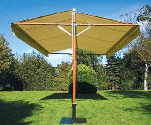 ombre et lumi re parasol pour grande terrasse avec deux pieds. Black Bedroom Furniture Sets. Home Design Ideas