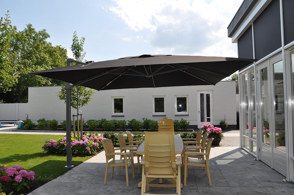 parasol excentr palestro solero 4x4m pour terrasse hotel. Black Bedroom Furniture Sets. Home Design Ideas