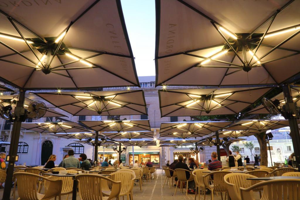 Parasol déporté carré 6x6m Alu Poker Scolaro SCOLARO