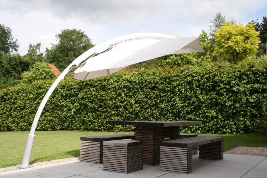 beau parasol paravent terrasse maison