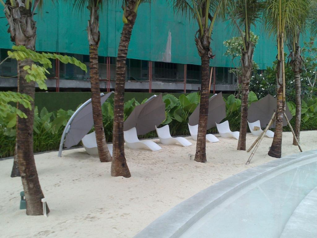 parasol hotel de luxe 5 étoiles dubai monaco saint tropez